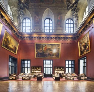 Comptoirs de vente RMN GP au Musée du Louvre